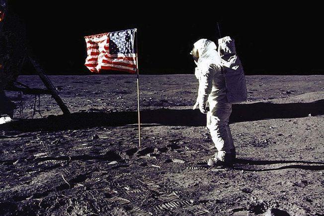 moon landing hoax Archives - Neurodope