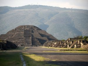 Tunnel, chamber discovered beneath Pyramid of the Moon